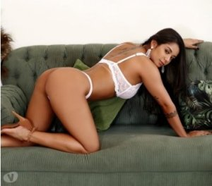Isnelle nuru massage in Hearst